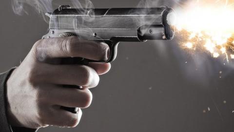 На набережной в кафе из пистолета расстреляли посетителя