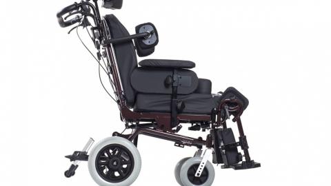 Чиновники не выдавали кресло-коляску трехлетнему ребенку-инвалиду