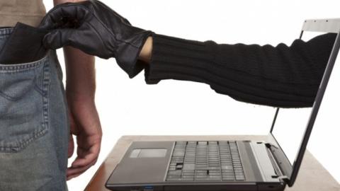 Предприниматель перевел интернет-мошенникам почти миллион рублей