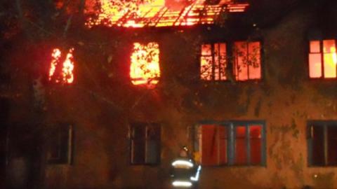 Ночью на Рабочей горел двухэтажный дом