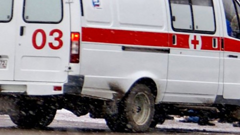 """17-летний пассажир """"скорой"""" ранен в аварии с троллейбусом и """"Калиной"""""""