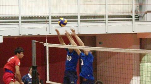 Саратовские волейболисты проиграли «Кристаллу»