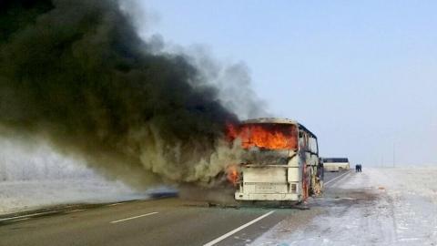 На трассе под Саратовом сгорел автобус Neoplan