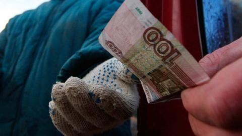 Рабочим-озеленителям два месяца не платили зарплату