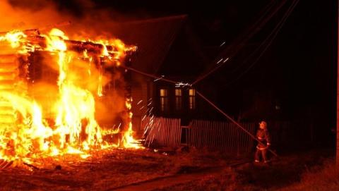 Следователи проверяют гибель мужчины на пожаре