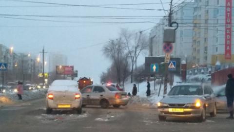 Саратовец ищет свидетелей утренней аварии в Солнечном