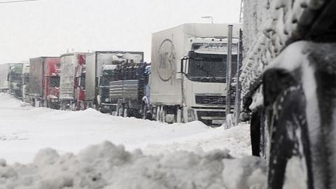 Для большегрузов закрыта трасса Сызрань - Саратов - Волгоград