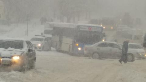 Массовая авария заблокировала въезд на улицу Танкистов