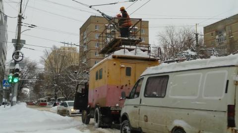 Оборвалась контактная сеть трамваев