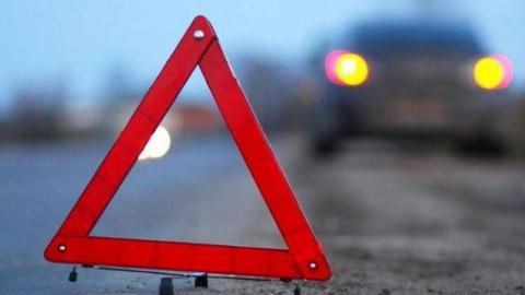 Двое тинейджеров попали в больницу после аварии на трассе