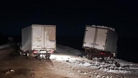 Водитель микроавтобуса на ночной трассе задавил ремонтировавшего машину коллегу
