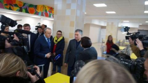 Саратовцы с нетерпением ждут открытия школы в Солнечном-2