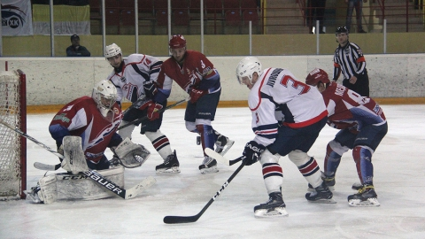 Хоккеисты «Кристалла» снова победили в Орске