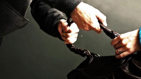 Грабитель напал на престарелую женщину из-за 200 рублей