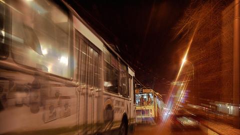 Обнародовано подробное расписание трамваев и троллейбусов в новогоднюю ночь