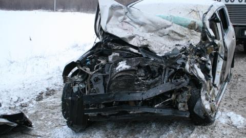 Девушка и мужчина попали в больницу после аварии на трассе у поворота к аэропорту Гагарин