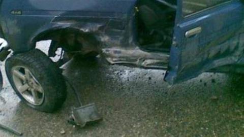 """Двух пассажирок забрали в больницу после столкновения """"Нив"""""""