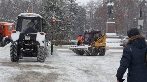 Глава Саратова пообещал расчистить центральные магистрали за 10 дней