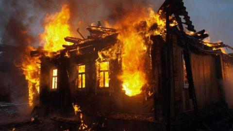 Ранним утром на пожаре в Марксе погибла девушка