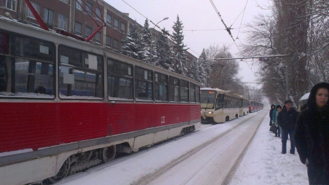 Не ходят два трамвайных маршрута, сокращен один троллейбусный