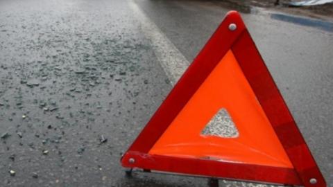 Женщина, ребенок и мужчина разбились в аварии возле Хвалынска