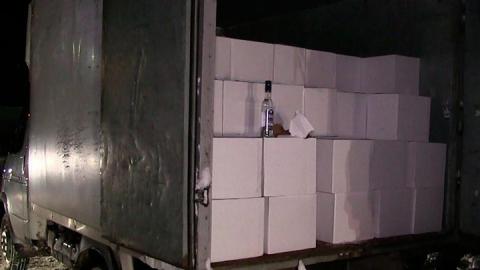 В фуре на автостоянке нашли фальшивый алкоголь на пять миллионов рублей