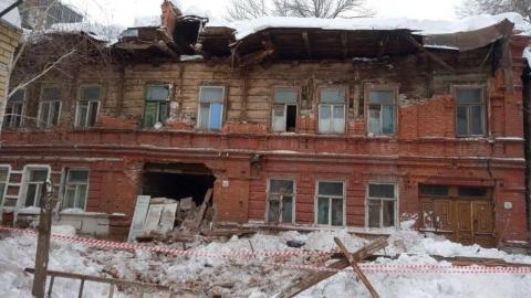 В обрушившемся нежилом доме чуть не погиб квартирант-сирота