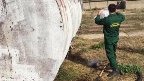 Мини-НПЗ испортил почву в Энгельсском районе