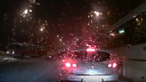 Очевидец заснял автохамов в Заводском районе