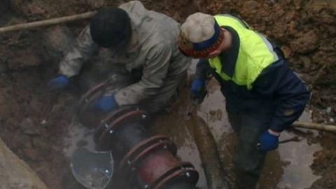 Началась перекладка водопровода на Черниговской