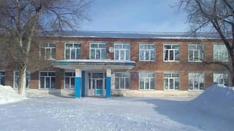 Прокуроры обнаружили нечищенные крыши школ и детского сада