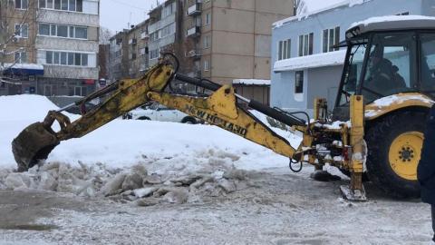 Мусоровывозящие компании самостоятельно расчищают от снега контейнерные площадки