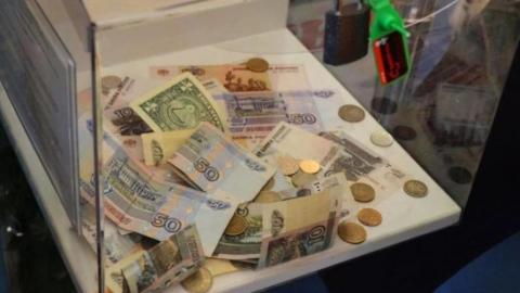 Юношу подозревают в краже ящика для пожертвований