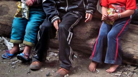 Саратовцы оставляют детей без воды и пищи