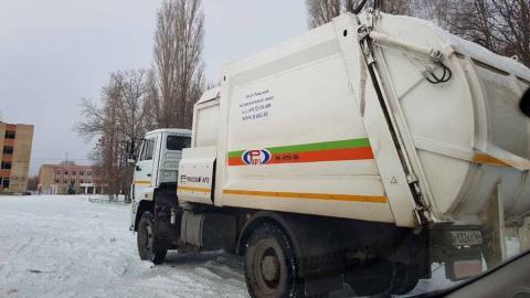 Снегопады в Саратове. Регоператор переводит мусоровывозящие компании на усиленный режим работы