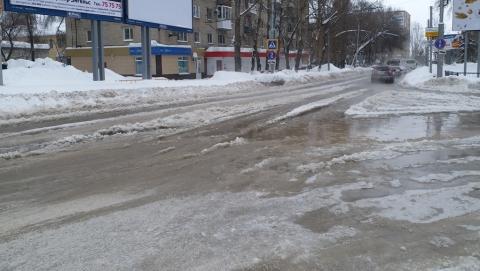 Чиновники объяснили остановку трех троллейбусных маршрутов аварией на водопроводе