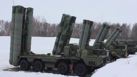 Бойцов российской армии в 30-градусные морозы отогревали бутербродами с салом