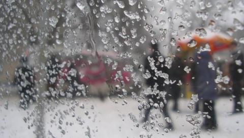 Онлайн-сервис обещает ливневый снег в час пик в Саратове