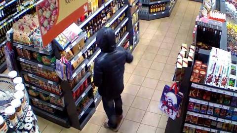 Хронический неудачник попался на краже кофе из магазина