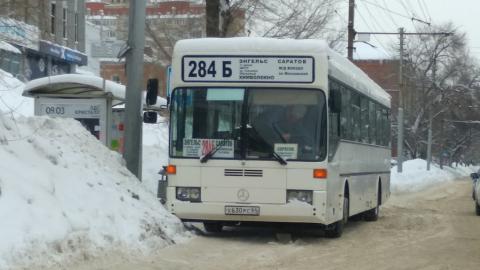 Сошедший с маршрута автобус перекрыл выделенную полосу