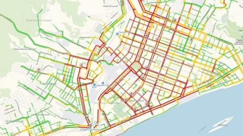 Десятибалльные пробки в Саратове продержались весь день