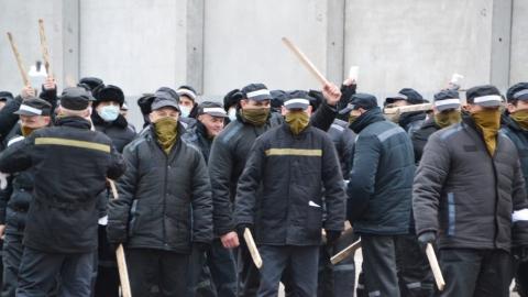 Во время бунта в колонии для особо опасных преступников пострадало 11 человек