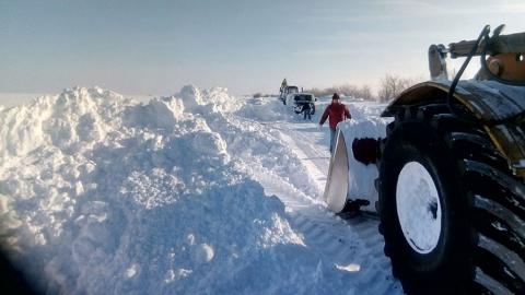 Снежный коллапс. В Новоузенском районе отрезанными от дорог остаются пять населенных пунктов