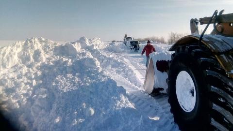Чиновники заявили о расчистке всех трасс в Саратовской области