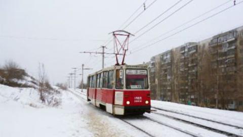 Трамваи №3 и 11 встали из-за сошедшего с рельсов вагона