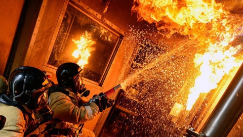 На пожаре в многоэтажке погиб мужчина