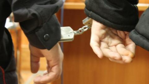 Заключенного колонии будут судить за избиение охранника