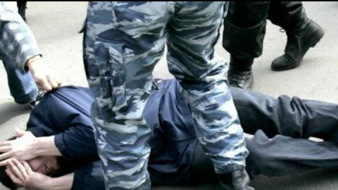 Пьяный дебошир обвинил полицейских в избиении, которого не было