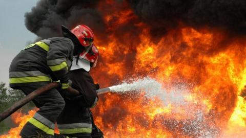 Для тушения пожара пришлось вызывать войска