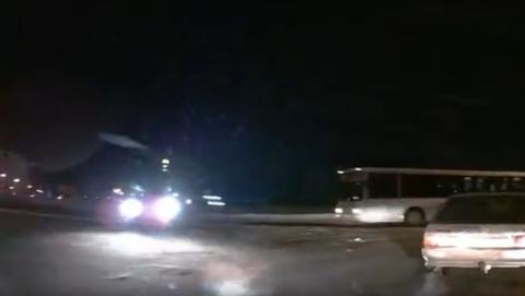 Видеокамера запечатлела, на что готов таксист ради выгодного заказа